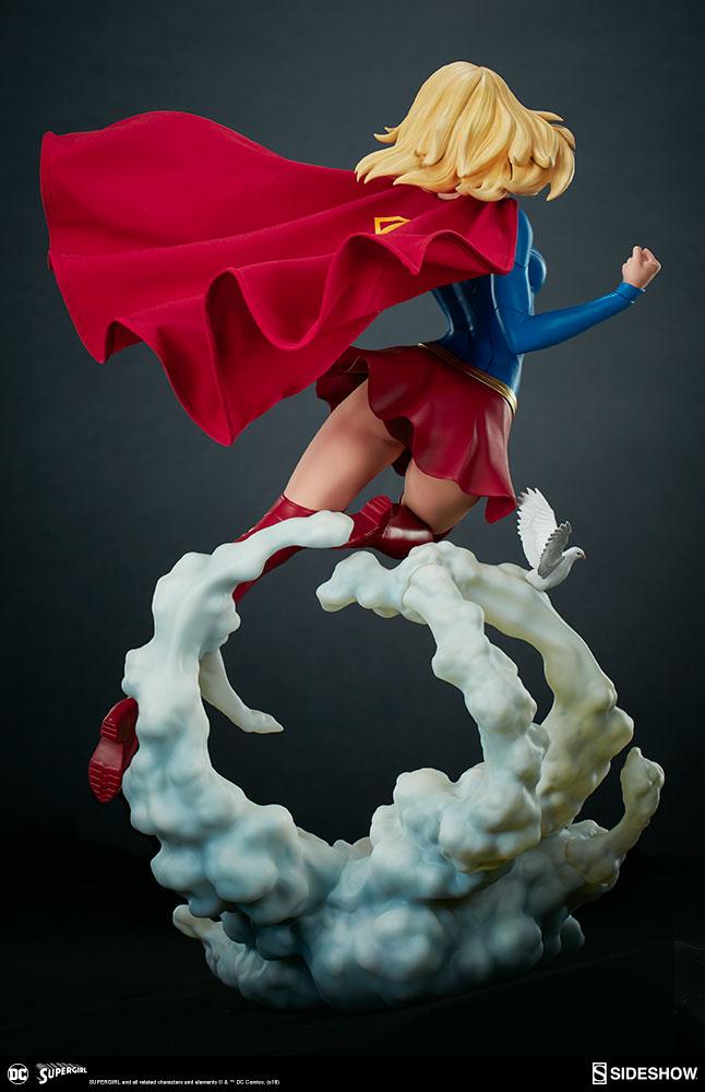Link a dc-comics-supergirl-premium-format-figure-sideshow-300670-10