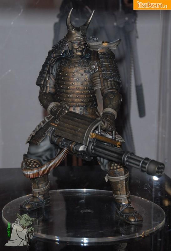 """Gentle Giant: Sucker Punch Samurai Maquette. Altezza stimata tra i 20"""" e i 24 """" inch"""