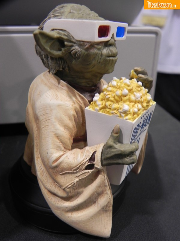 Gentle Giant: Star Wars - Yoda in 3D glasses Exclusive mini bust