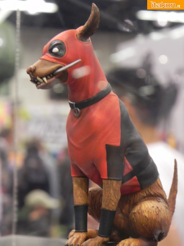 Gentle Giant: Dogpool mini bust