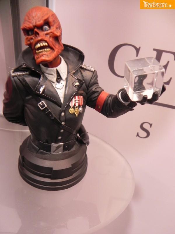 Gentle Giant: Red Skull Mini Bust