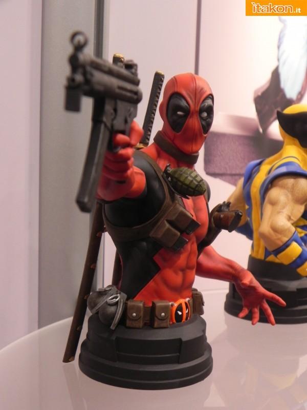Gentle Giant: Deadpool Mini Bust