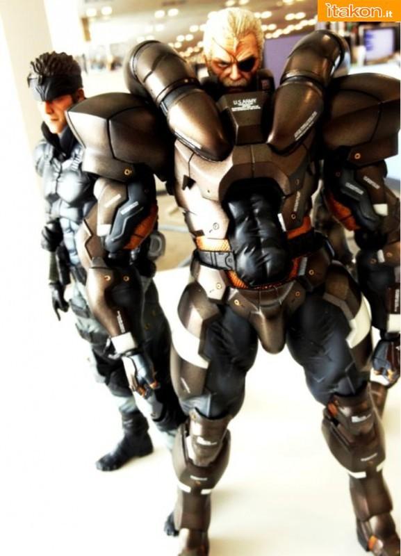 Square Enix: Play Arts Kai Metal Gear Solid 2: Solidus Snake - Prime immagini del prototipo colorato