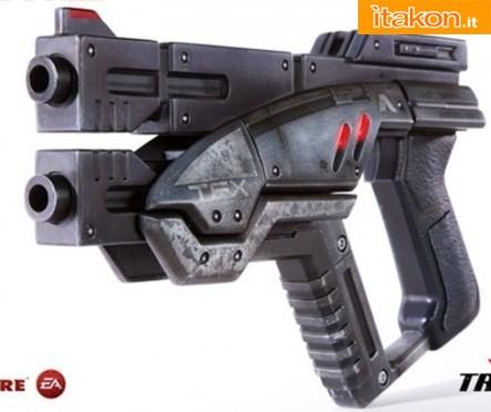 Project TriForce: Mass Effect 3 - M-3 Predator pistol Prop Replica