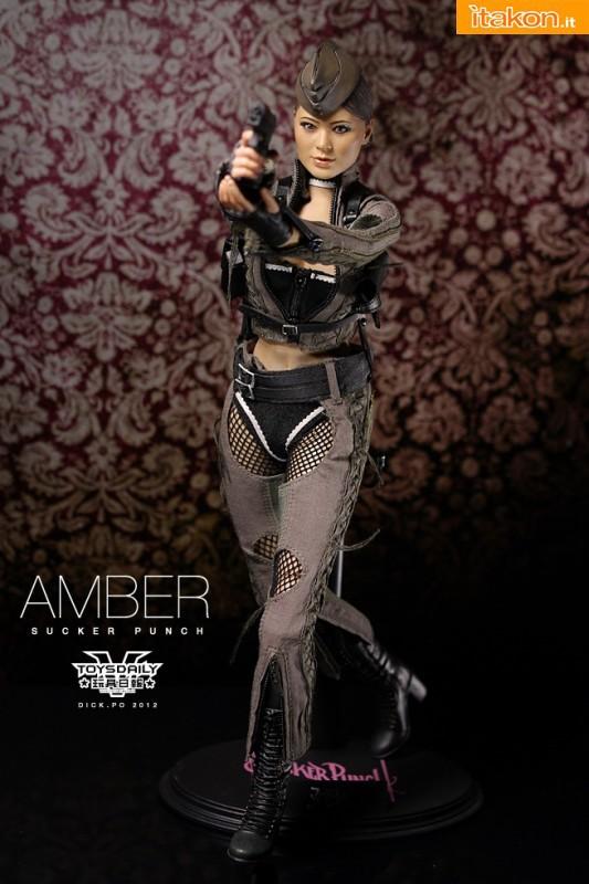 Hot Toys: MMS-158 Sucker Punch: Amber 1/6 - Galleria Fotografica