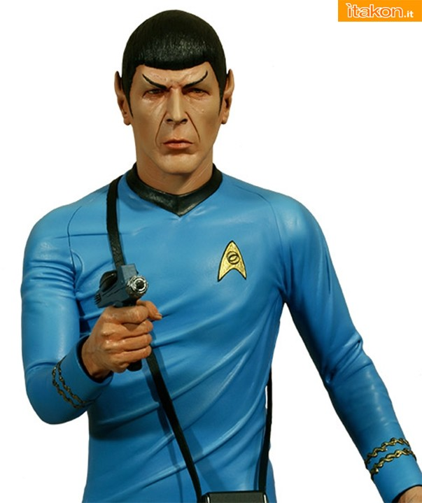 Hollywood Collectibles: STAR TREK: MR. SPOCK 1:4 SCALE STATUE