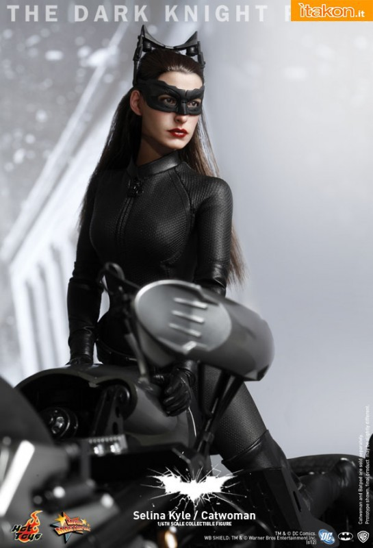Hot Toys: The Dark Knight Rises: Catwoman/Selina Kyle 1/6 - Immagini Ufficiali