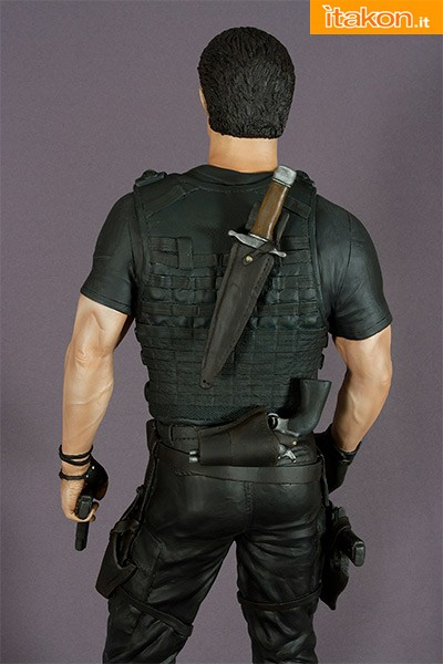 Hollywood Collectibles: THE EXPENDABLES 1:4 SCALE BARNEY ROSS - In Preordine