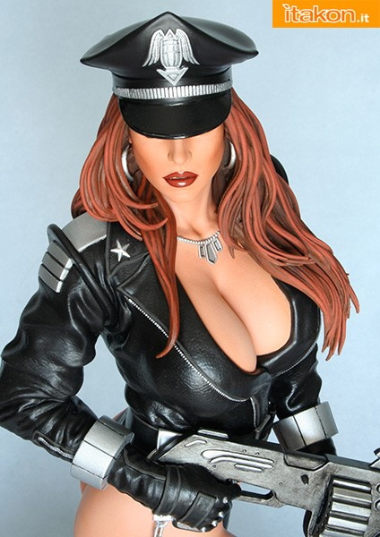 Hollywood Collectibles: Heavy Metal: CYBERCOP 1:4 Scale Statue
