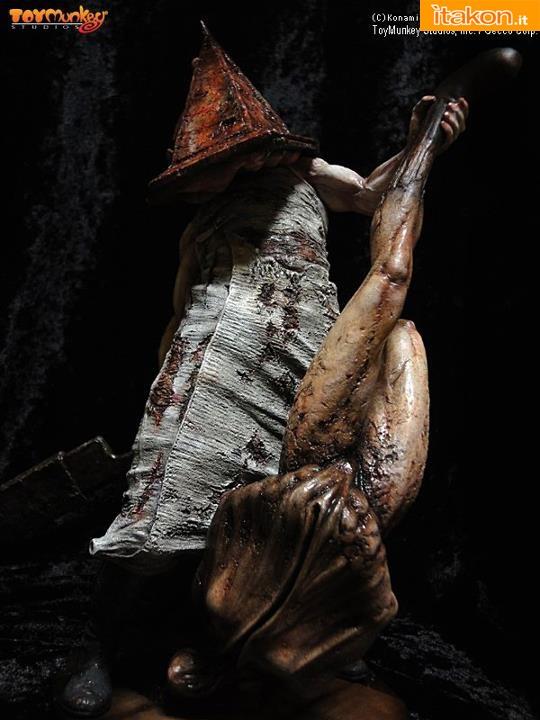 Toymunkey Studios: Silent Hill 2 - Red Pyramid Thing 1/6
