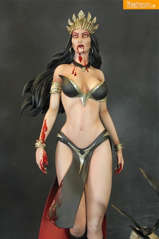 Queen of the VampiresSideshow Exclusive Edition