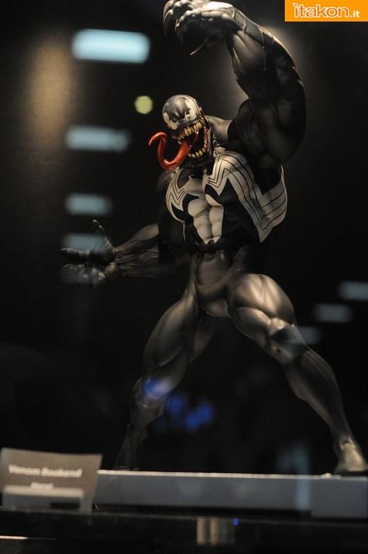 Gentle Giant Venom Bookend - In Preordine