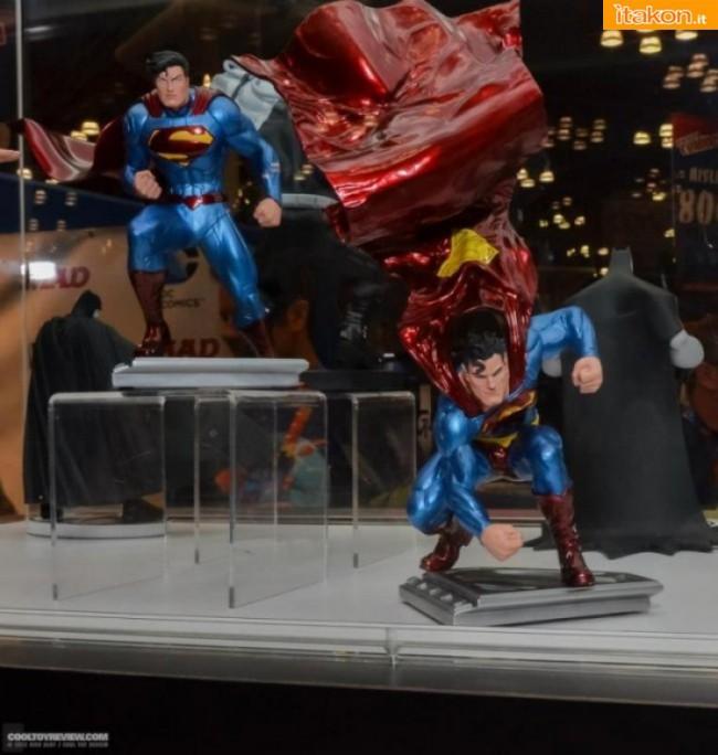 Superman By Lee Bermejo statue dalla DC Collectibles - In Preordine