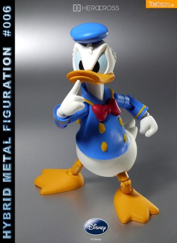 Hybrid Metal Figuration #006: Donald Duck dalla Hero Cross - In Preordine