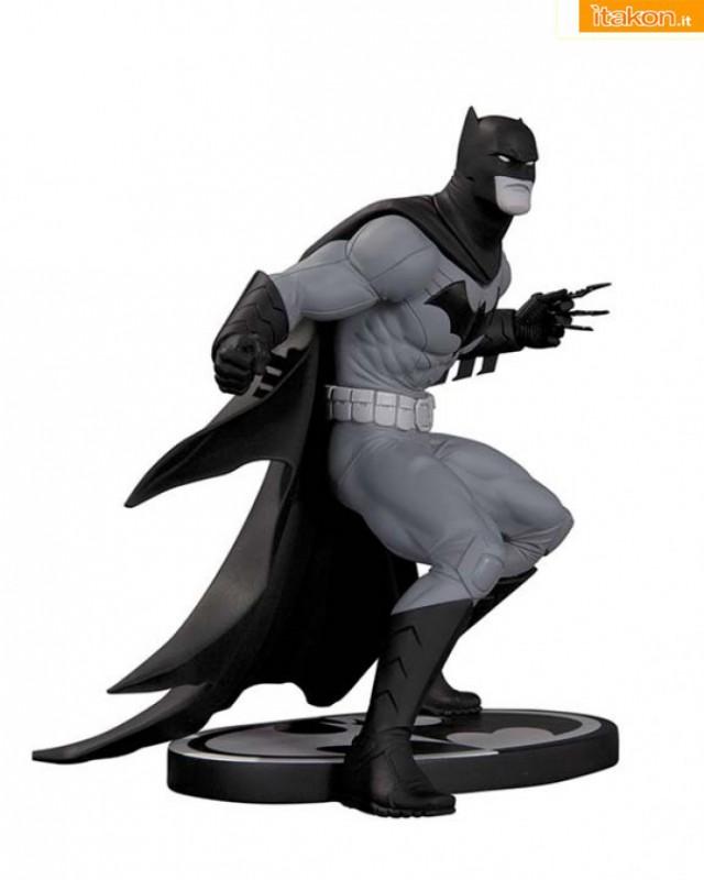 DC Collectibles: Batman Black and White Statue: Batman e Joker by Greg Capullo
