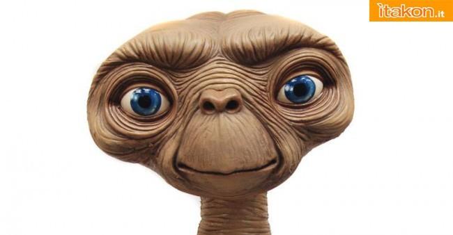 Neca: E.T. Stunt Puppet Life Size Replica