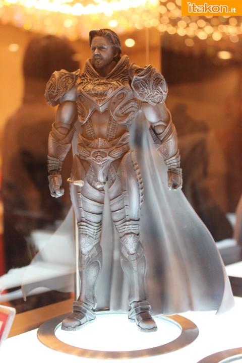 Link a Play-Arts-Kai-Jor-El-1