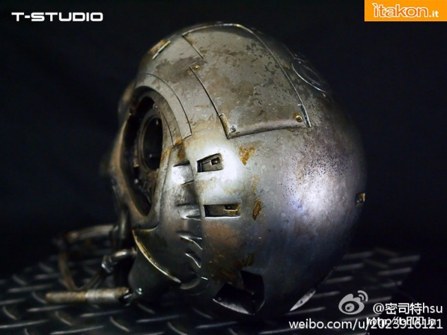 T-800 Endoskeleton Head Battle Damaged 1/1 di T-Studio - Anteprima