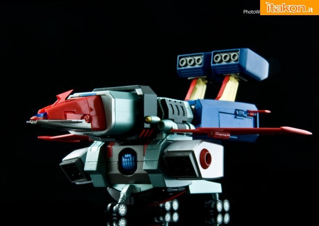 GX-62 Danguard Ace di Bandai (1)
