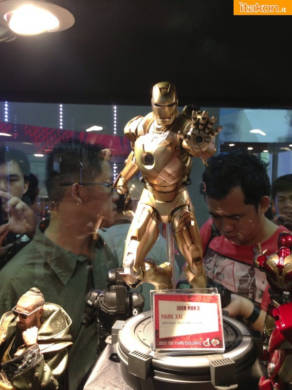 STGCC 2013 Hot Toys singapore booth