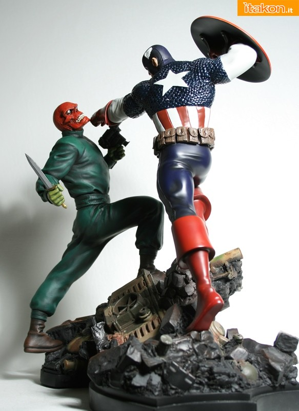 Link a Red-Skull-Action-Statue-Bowen-Designs-02