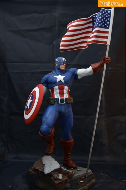 Captain America Statue (Comics Version)