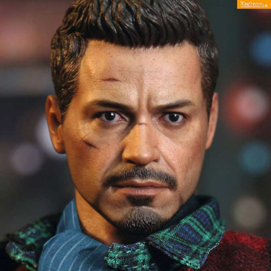 Hot Toys: Rose Hill Tony Stark (MiLK special edition) 08