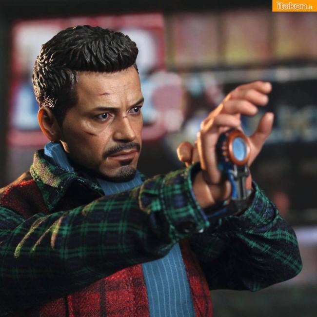 Hot Toys: Rose Hill Tony Stark (MiLK special edition) 02