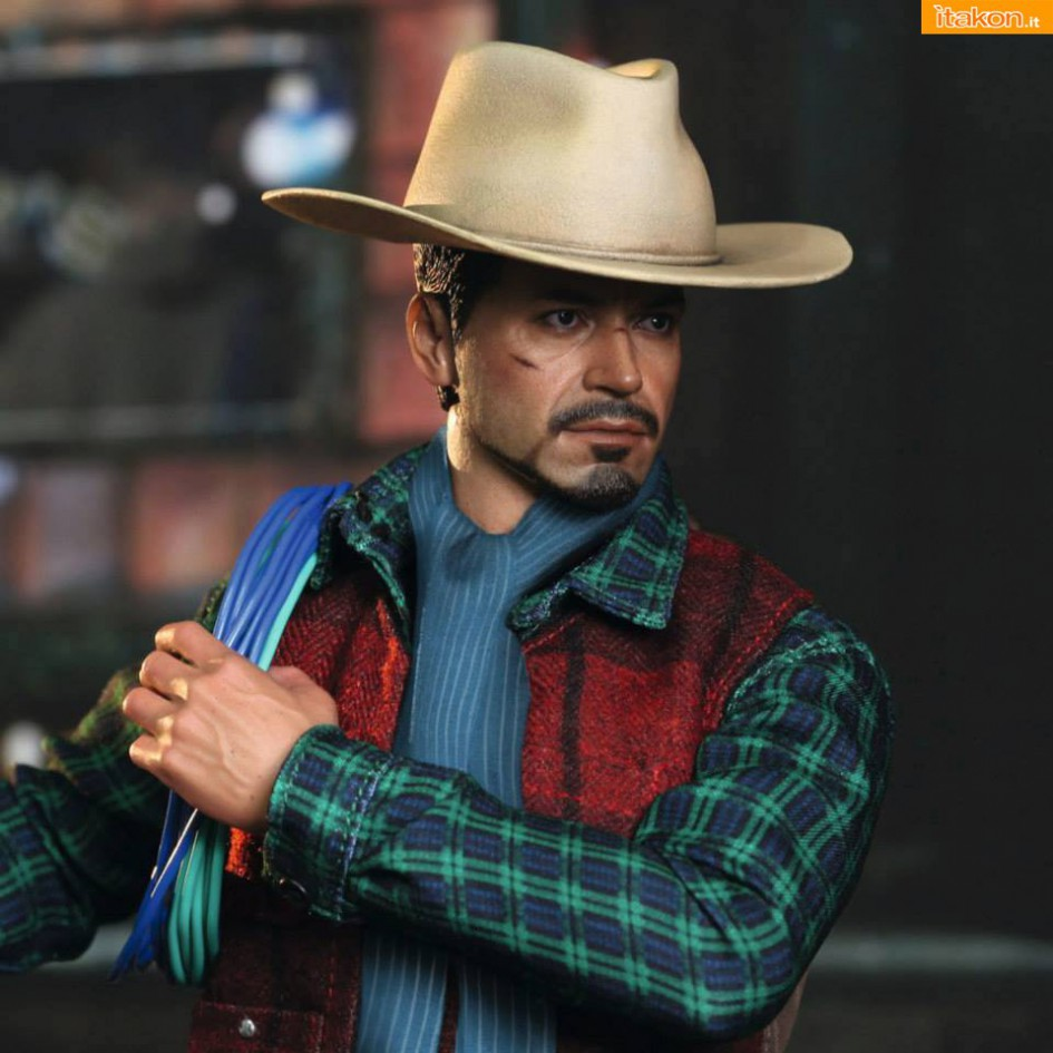 Hot Toys: Rose Hill Tony Stark (MiLK special edition) 05