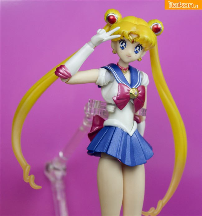 SH_Figuarts_Sailor_Moon_3