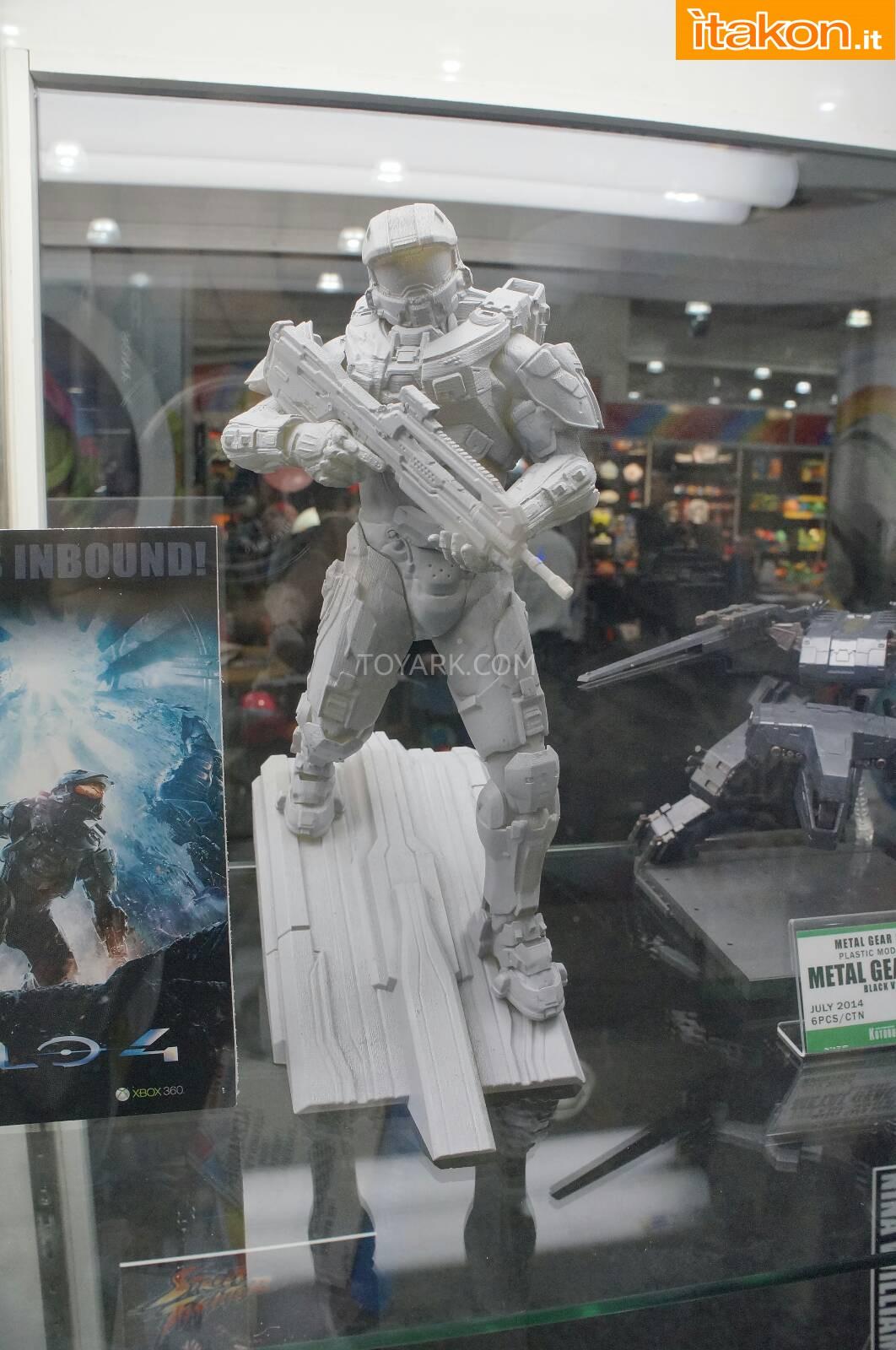 Link a Toy-Fair-2014-Kotobukiya-Halo-Statue-002