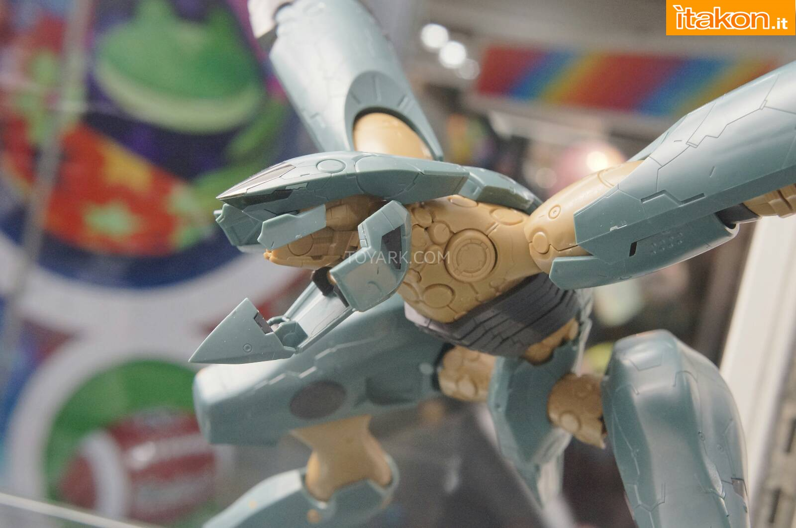 Link a Toy-Fair-2014-Kotobukiya-Metal-Gear-007