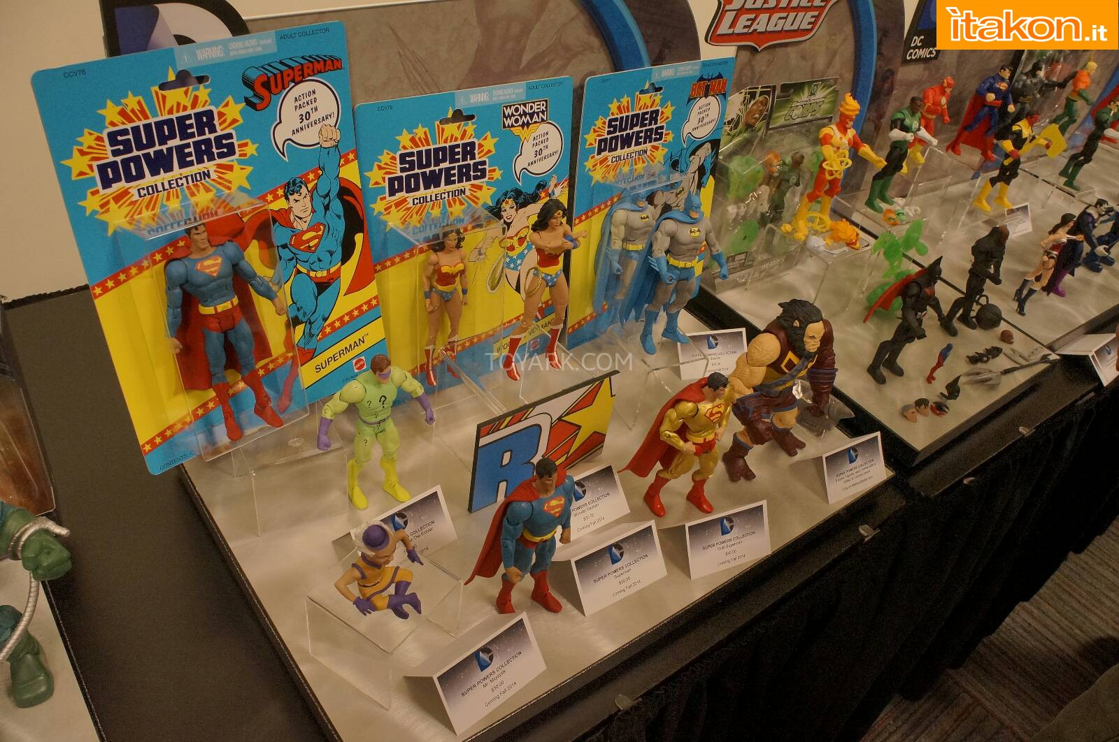 Link a Toy-Fair-2014-Mattel-DC-Comics-043