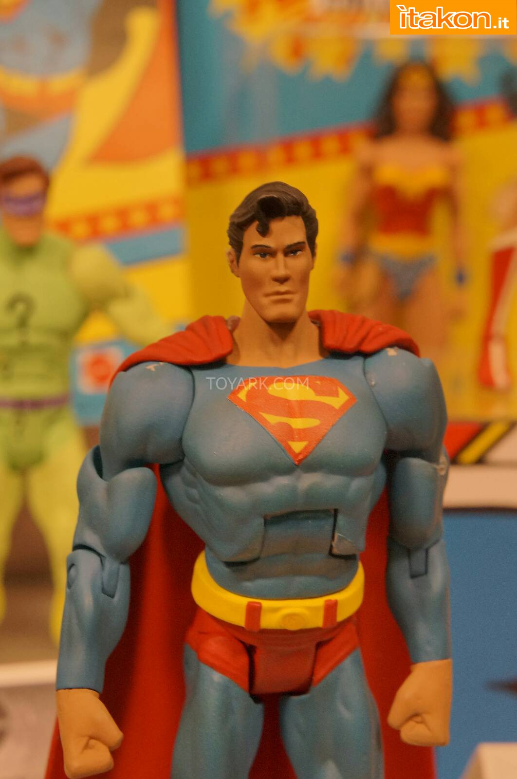 Link a Toy-Fair-2014-Mattel-DC-Comics-048