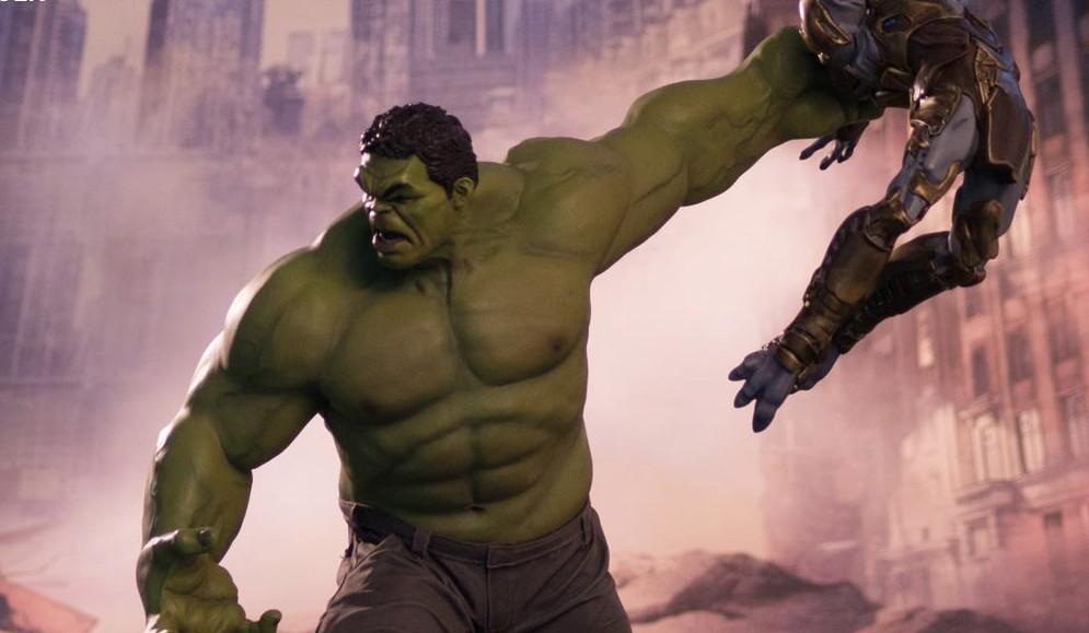 slide-hulk-iron-studios