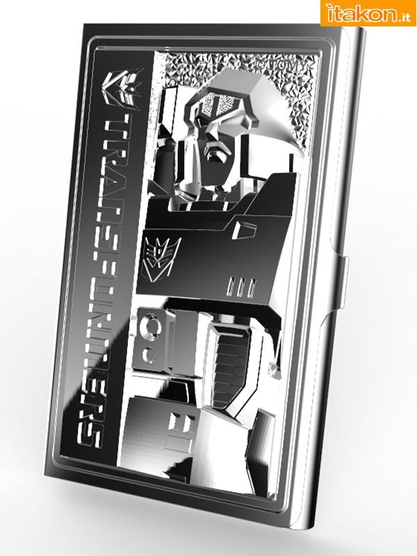 Link a Kotobukiya presenta i porta biglietti da visita Transformers 30° anniversario