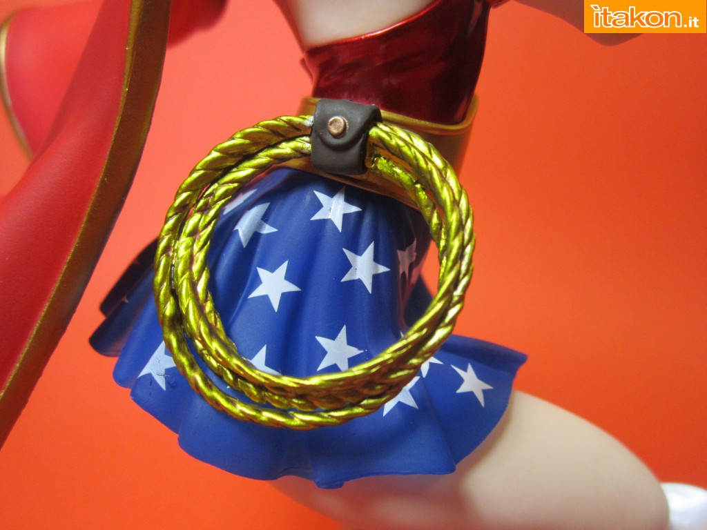 Link a Wonder Woman DC Bishoujo Recensione Itakon.it 20