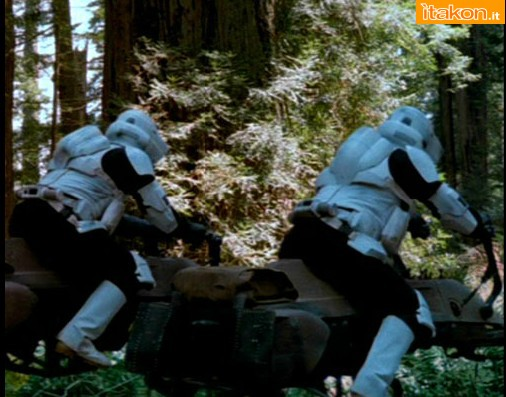 Link a EFX Collectibles  Scout Trooper Helmets  (2)