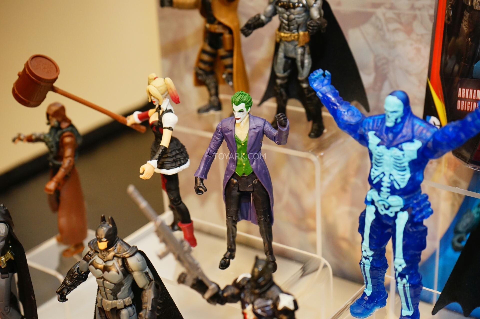 Link a Toy-Fair-2015-Mattel-DC-Multiverse-012