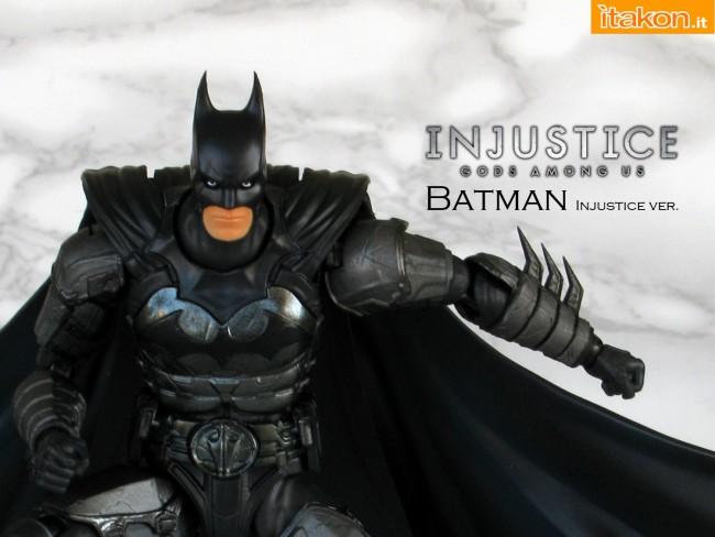 000a Batman - Injustice - SH Figuarts Bandai recensione
