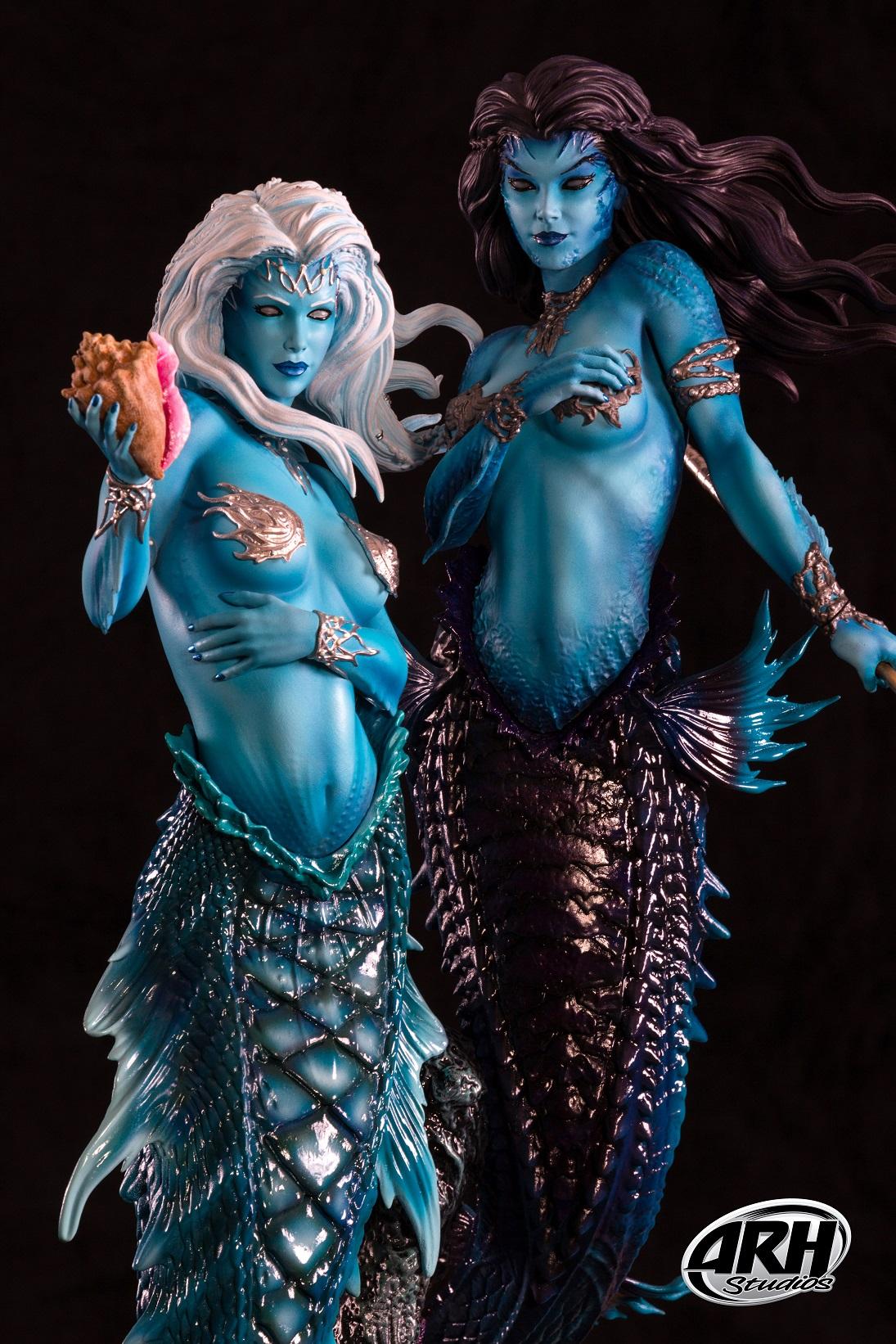 Link a Twin-Mermaids-14s