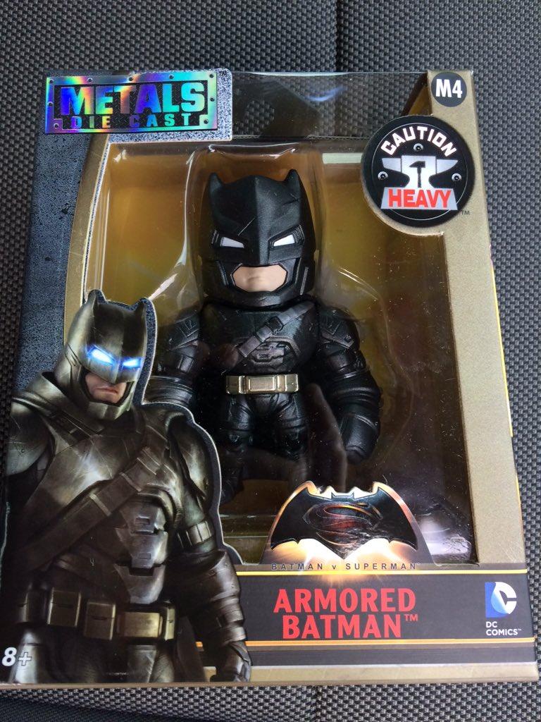 Link a BvS-Metals-Armored-Batman-1