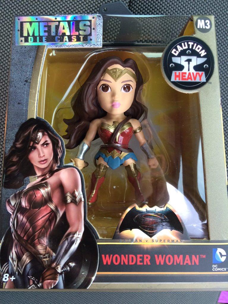 Link a BvS-Metals-Wonder-Woman