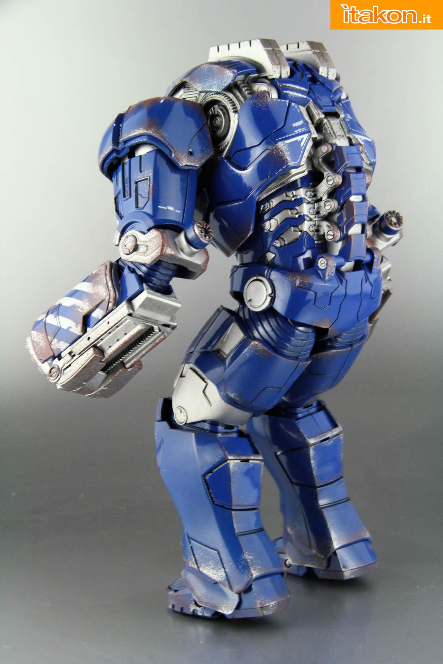 Link a comicave-igor-iron-man-figure-12