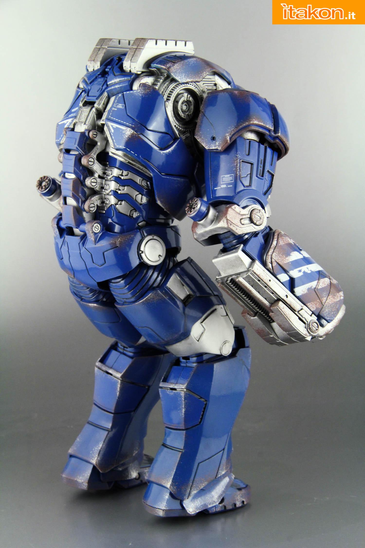 Link a comicave-igor-iron-man-figure-14