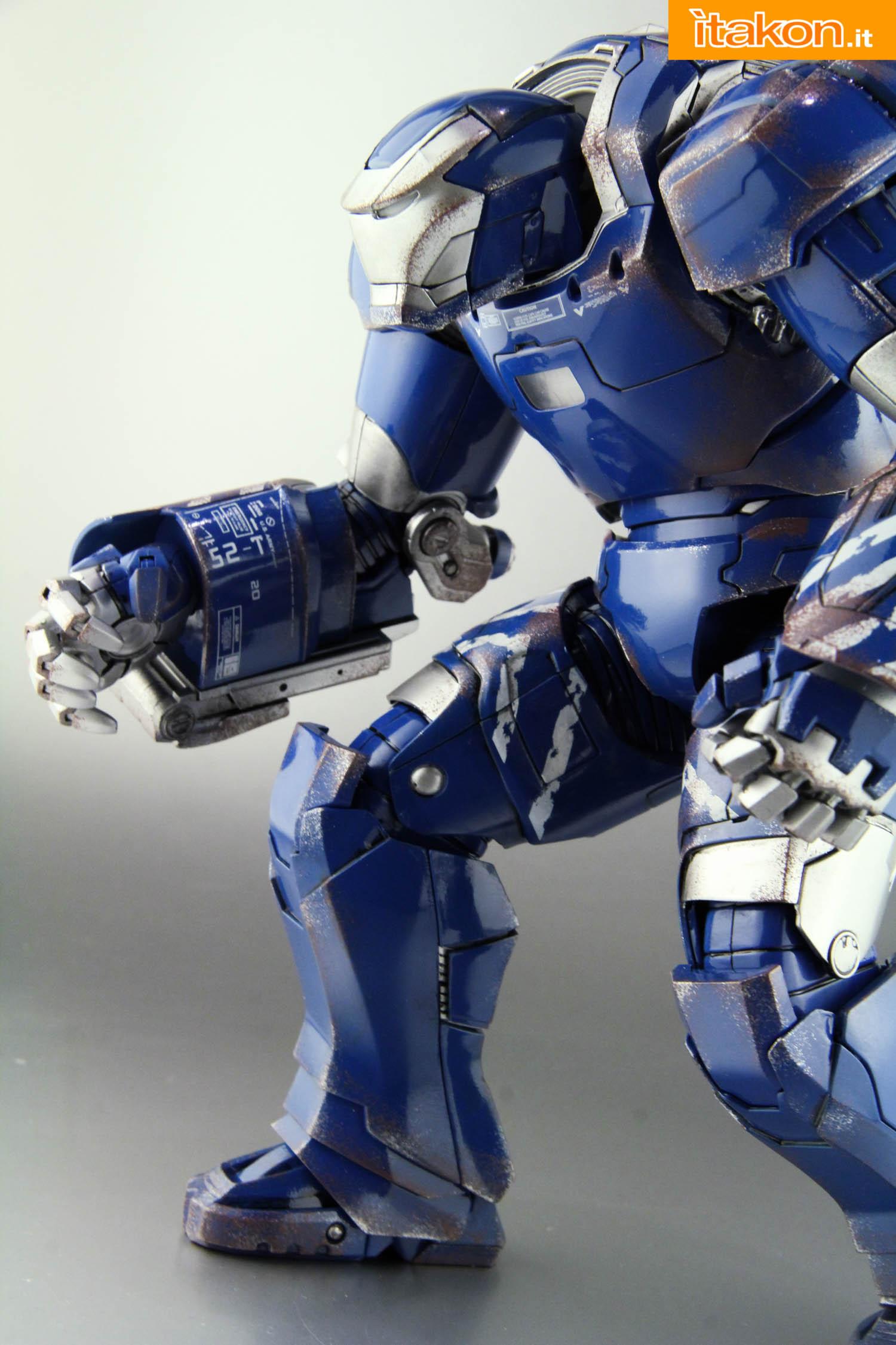 Link a comicave-igor-iron-man-figure-42