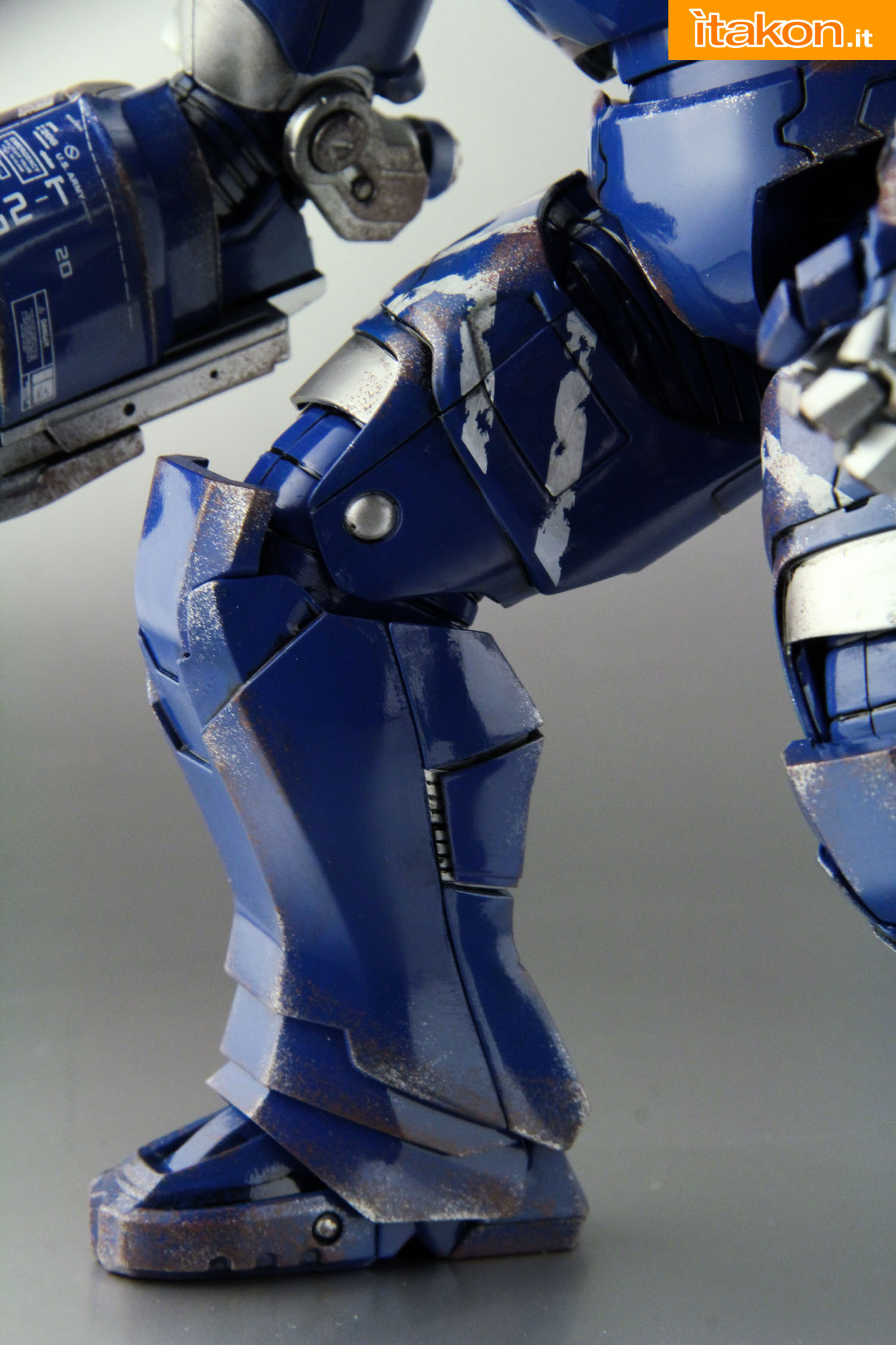 Link a comicave-igor-iron-man-figure-43