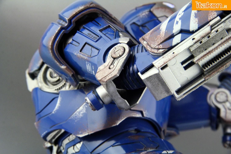 Link a comicave-igor-iron-man-figure-62