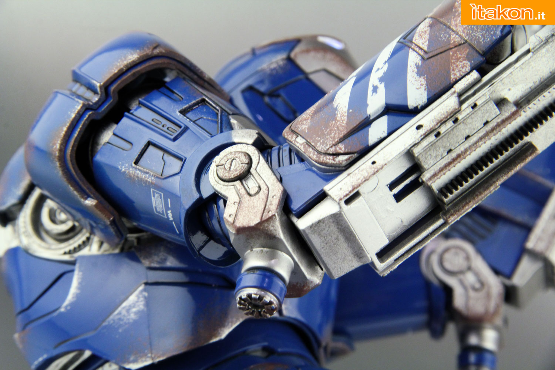 Link a comicave-igor-iron-man-figure-63