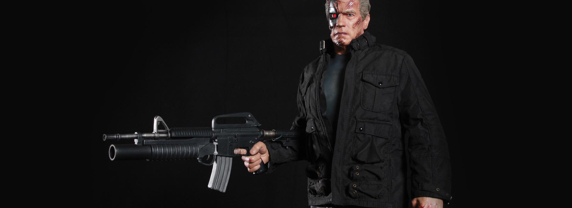Link a Terminator-Genisys-Guardian-T-800-Statue-006